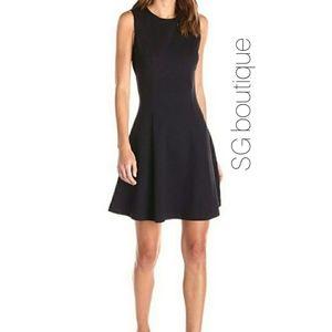 🆕⭐ Black fit flare dress
